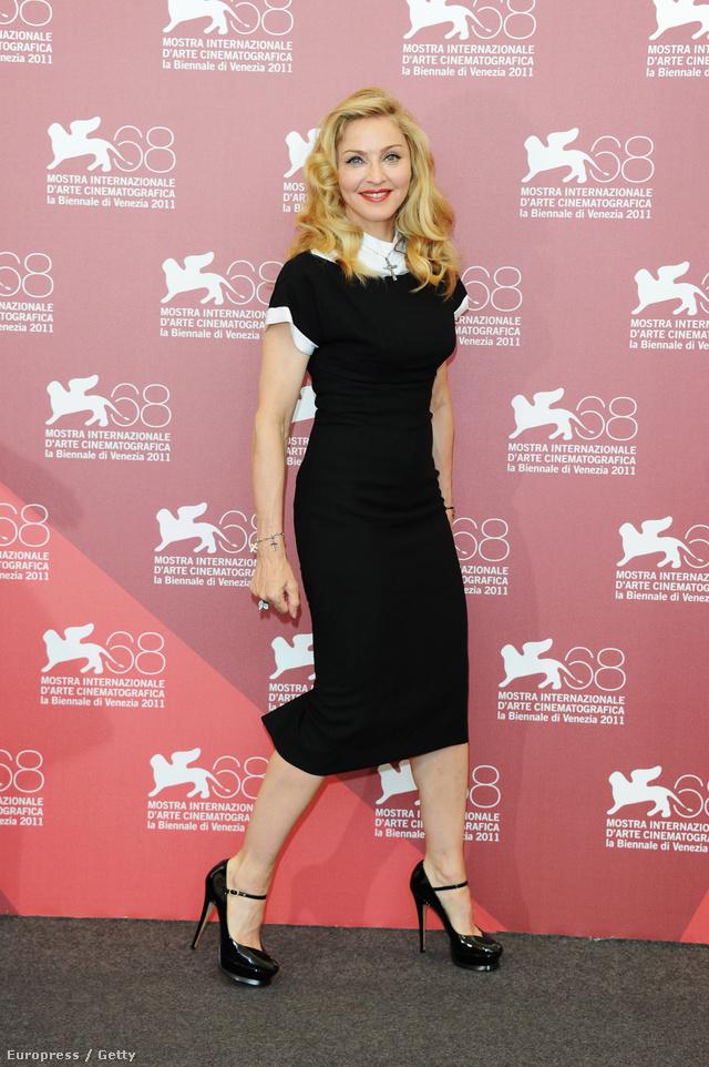 Madonna a Velencei Filmfesztiválra vette fel Scott egyik legismertebb tervezését.