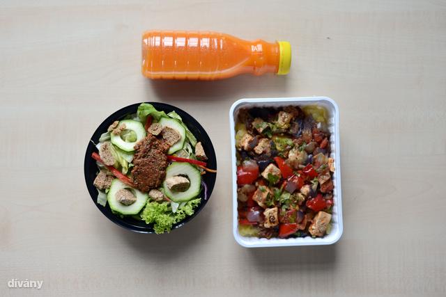 Répalé, a szokásos saláta és tofukockás finomság volt az ebéd.
