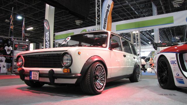Ez az autó volt a személyes kedvencem. Ezért elfogult módon több képen is megmutatom, mitől ennyire lenyűgöző ez a kombi Lada