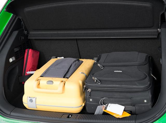 267 liter, és annyinak is látszik, pedig ez a Sportback