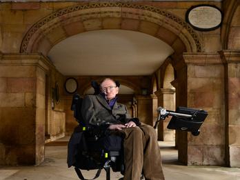 Stephen Hawking végre megnyert egy fogadást