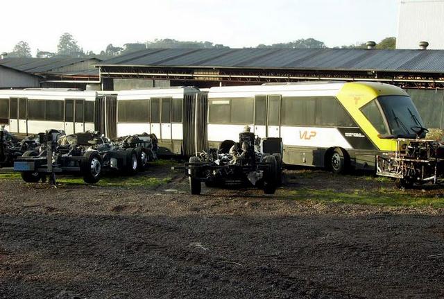 """Az egyetlen elkészült VLP 2000 a gyártó udvarán """"pihen"""" (fotó: Daniel Sousa)"""