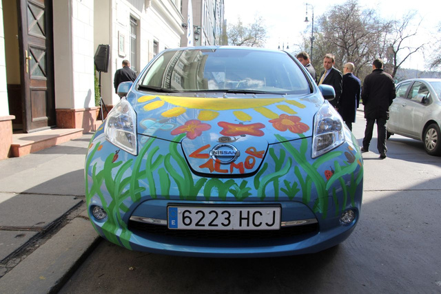 Természetesen a Nissan is mindig ott van, ahol szóba kerül az elektromos autózás