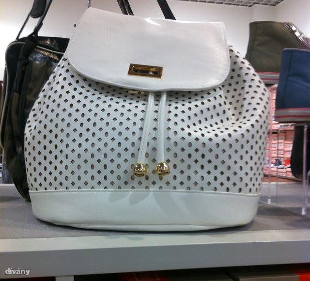 CCC: a lengyel márka is követi a hátizsák-trendet, ez nem is lenne rossz, csak csúnya a műbőr, amiből készült.
