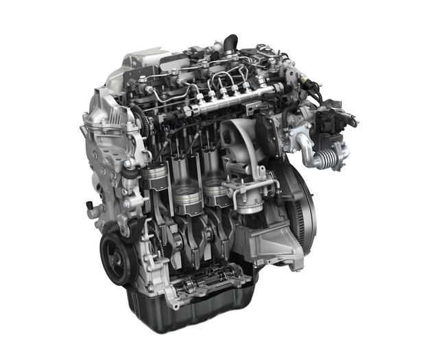 A Skyactiv dízelmotor. Csendes és takarékos, de a jövő a benzin motoré