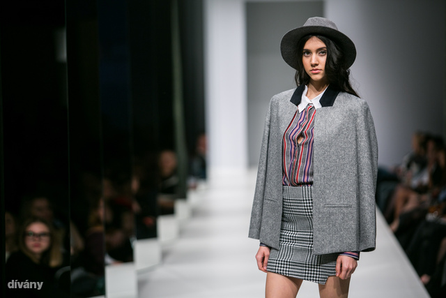 """""""A magyar nőket egyelőre nem volt sok időm figyelni, de úgy látom, nagyon érdekli őket a divat, foglalkoznak azzal, hogy néznek ki"""""""