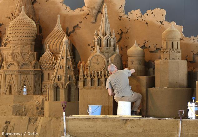 Az olasz Leonardo Ugolinit a Kreml épületei ihlették meg