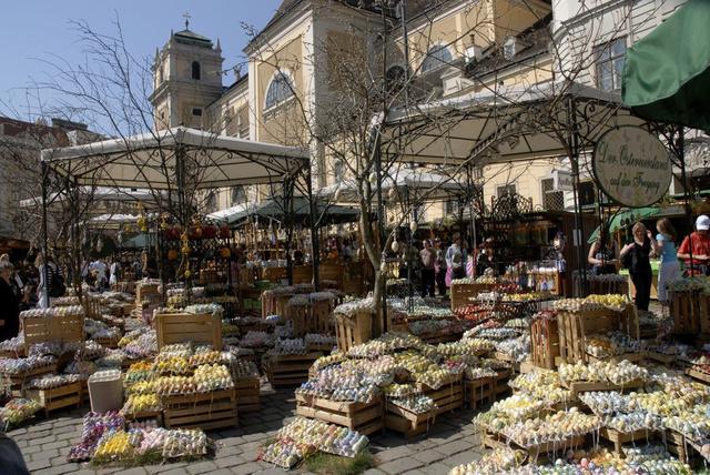 Húsvéti vásár a bécsi Freyungon