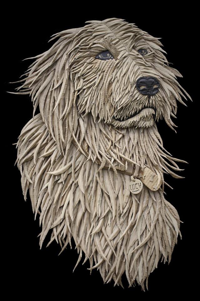 Hihetetlen részletességgel kidolgozott kutya kartonból.