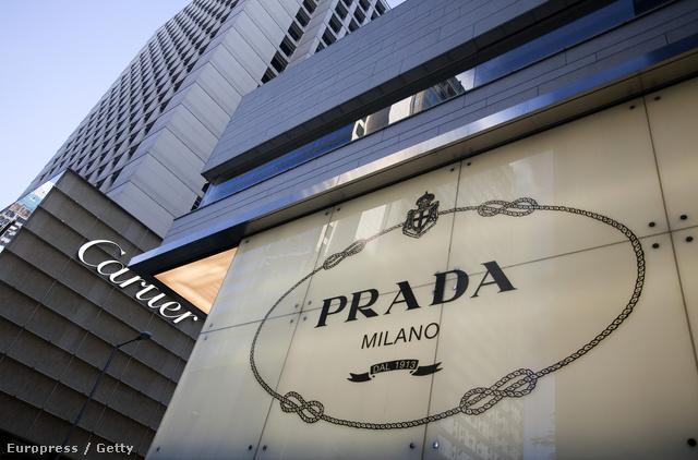 A klasszikus kötél motívum az olasz cég esetében a perifériáról való felkapaszkodást jelenti.