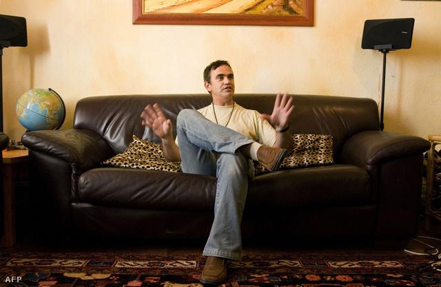 Derek Serra Fokvárosi otthonában 2008. óta fogad turistákat a Couchsrufing.org-on keresztül