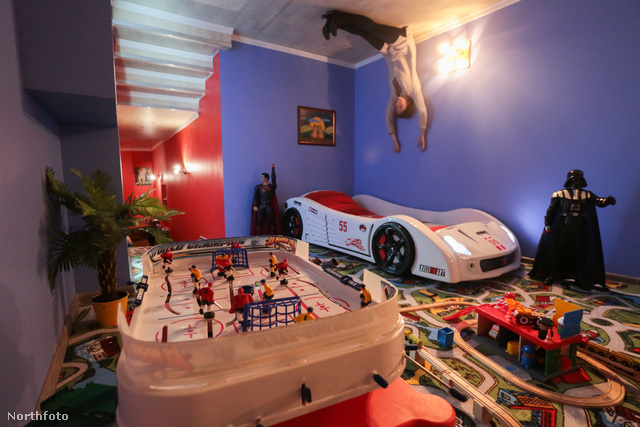 Így aztán a gyerek akár a plafonra is felülhet
