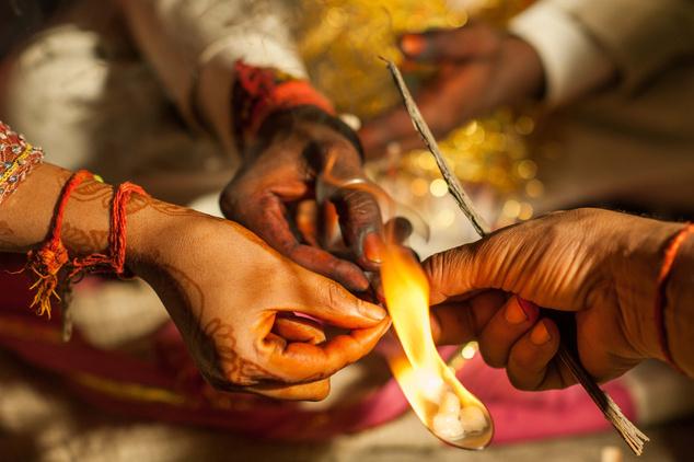 Bőséget bevonzó és ártó szellemektől megtisztító füstölő-égető rituálé