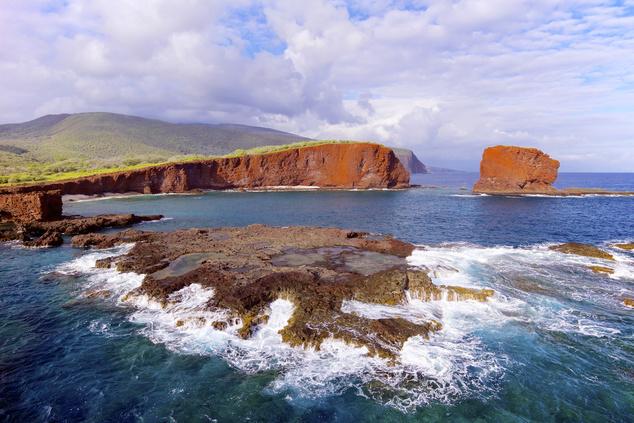 A Sweetheart Rock egy szerelmespár szomorú  legendája miatt is az egyik legnépszerűbb látványosság a sziget partján