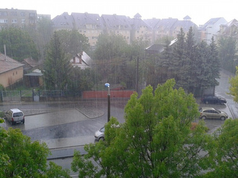 Özönvízszerű eső zúdult Pest megyére