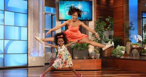 Fogadjunk, nem látott még három évest így táncolni!
