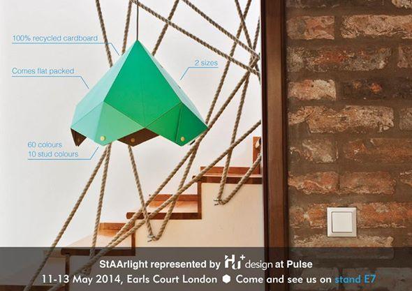 Franta Áginak is újrahasznosítás lebegett a szeme előtt, mikor megtervezte 100 %-osan újrahasznosított kartonból készült csillag formájú lámpa búráit, melyek 'StAArlight' fantázianéven futottak Londonban.