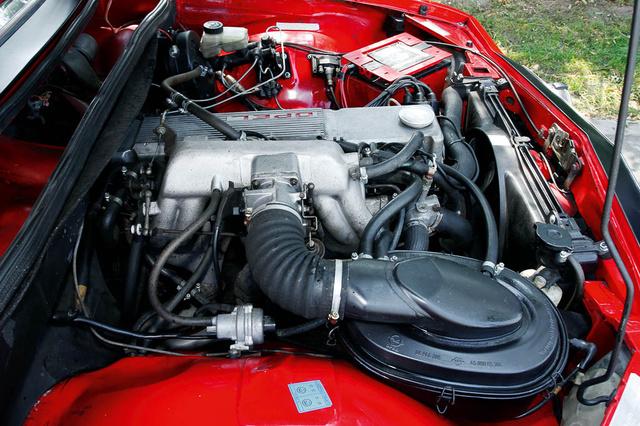 Két hengerrel megtoldották a szabványos Opel-féle CIH-motort