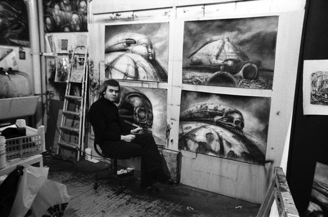 Alejandro Jodorowsky sajnos sosem rendezhette meg a Dűnét, de Giger munkáira mai napig mindenki emlékszik.