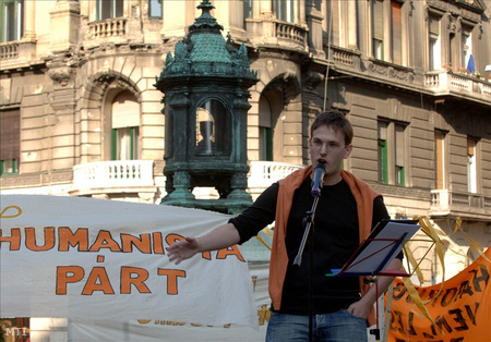 Várady Tibor, a Humanista Párt elnöke