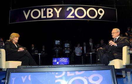Iveta Radicová és Ivan Gasparovic a Joj televízió elnökjelölti vitaműsorában