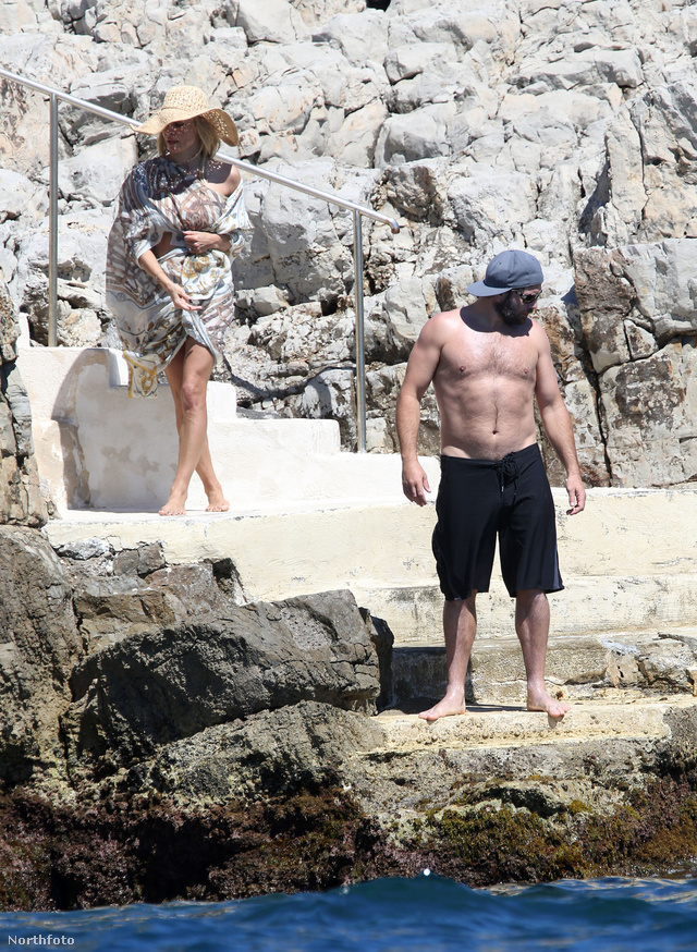 Rick Salomon ma, 46 évesen, Pamela Andersonnal Cannes-ban a tengerparton