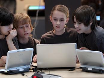 Ki lesz az első milliomos programozó tini?