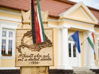 Trianon már csak Magyarországon fontos