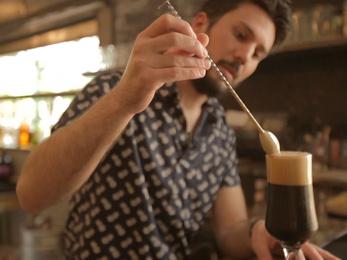 Beleszeretett a sörökbe, azóta készíti egyedülálló koktéljait