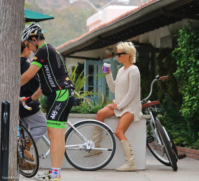 tk3s pamelaandersonbike060814 008