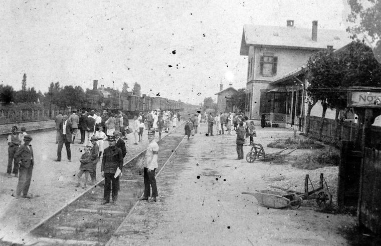 Vasútállomás valahol a Balatonnál, 1910-környékén