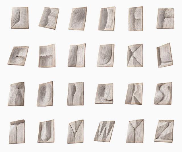 Az alkotás nemcsak technikailag elképesztő, hanem van valami költőien dekonstruáló is az egész könyvben.
