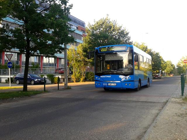 A Rába-Molitus S91-est egy éve bérli a BKV. Az újnak látszó busz, azonban már három éves.