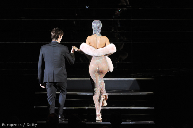 Rihanna a New York-i CFDA divatdíjátadón