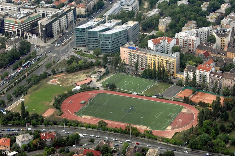 A Testnevelési Egyetem sportpályái.