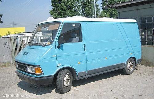 Az előd, a Fiat 242