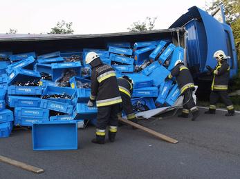 Kamion zárja el az M5-öt Hernádnál