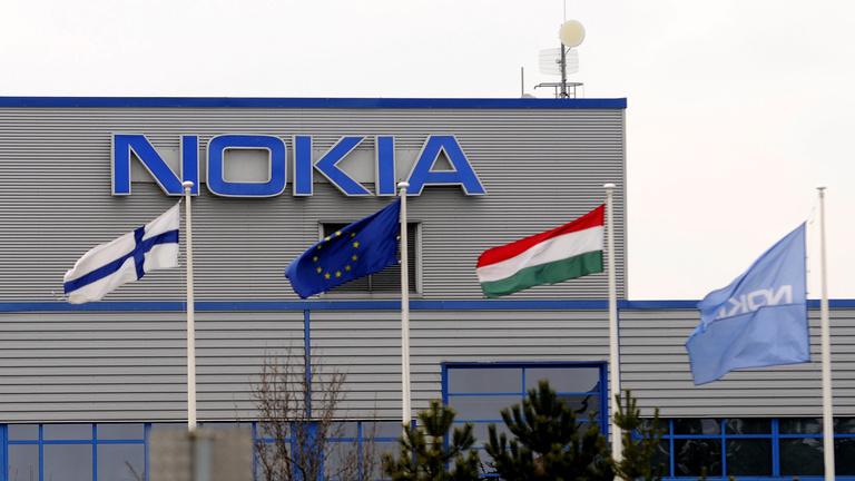 Teljesen bezár a komáromi Nokia