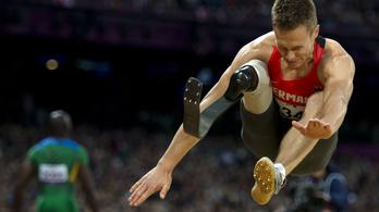 Műlábú távolugró verte az ép atlétákat