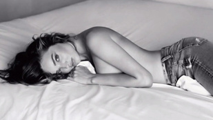Miranda Kerr nagyon szexi reklámban pózol