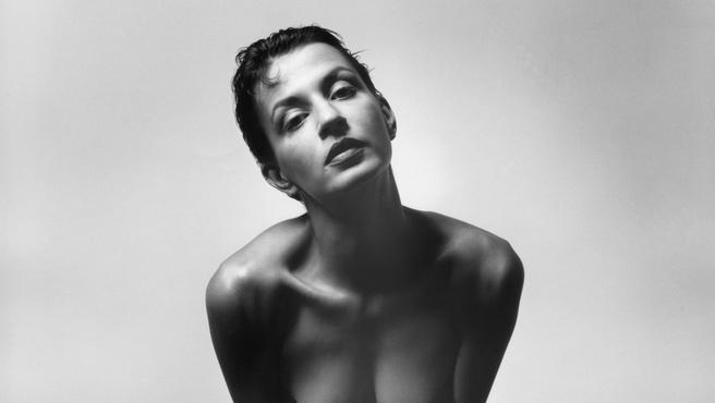 Meztelen nő, minden erotika nélkül