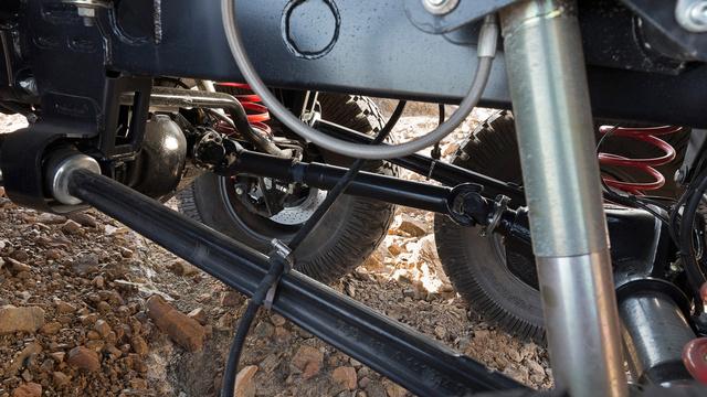 mercedes-benz-g63-amg-6x6-rear-axles