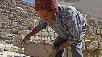 Miért fájdalmas az iskolaépítés a Himalájában?