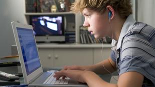 A sok gépezéstől bénábban kommunikál a gyerek