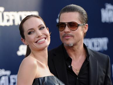 Angelina Jolie és Brad Pitt összeházasodtak