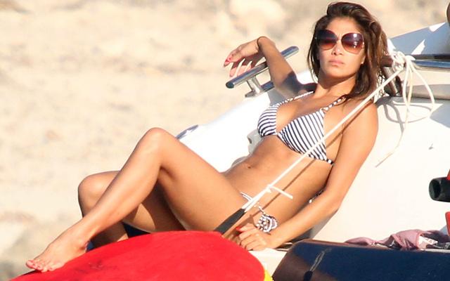 Nicole Scherzinger bikiniben