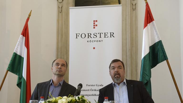 Kevesebb, mint egy év után távozik a Forster Központ elnöke