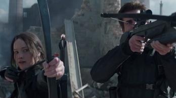 Jennifer Lawrence már vadászgépeket nyilaz