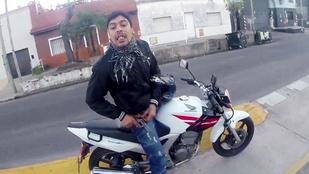 Egy világutazó videóra vette, ahogy kirabolják