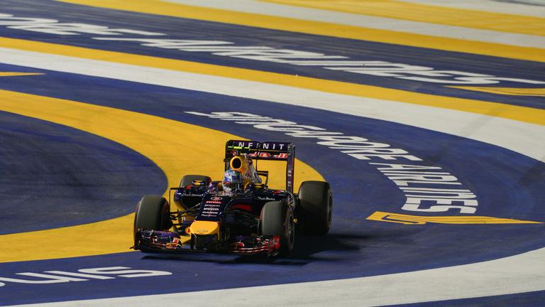 Kódolt rádióüzenet: a McLaren a Red Bullt gyanúsítja